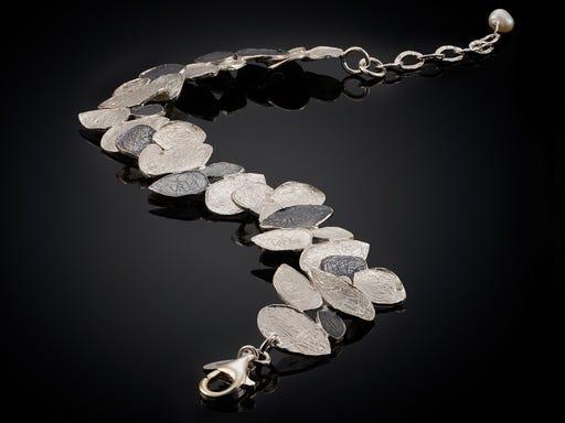 Zilveren armband met blaadjes uit de Zilver collectie van Jeh Jewels op Sieraden In Stijl