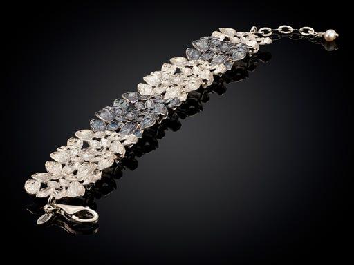 Zilveren armband met druppel vormen van Jeh op Sieraden in Stijl