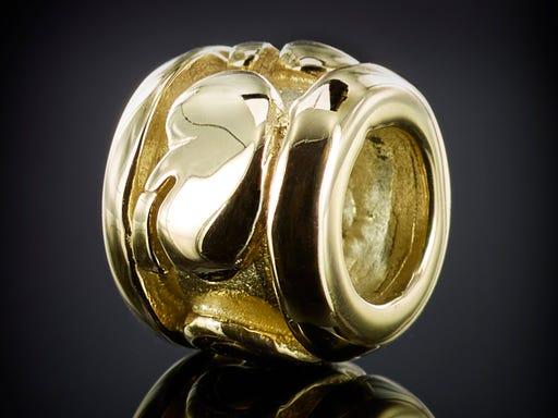 nier bead geel goud transplantatie geschenk herinnering ontwerp goudsmid Marijke Mul