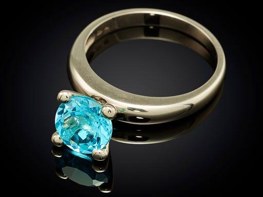 Ring witgoud Danser serie met blauw Topaas Sieraden in Stijl