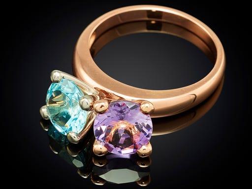 ring-danser-roodgoud-amathist-blauw-topaas-sieraden-in-stijl
