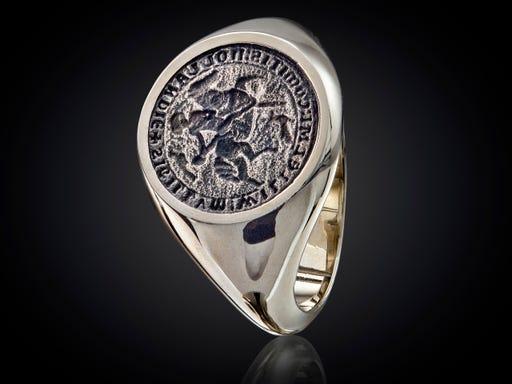 zilveren ring met afbeelding van het lakzegel van Graaf Willem II voor Haarlem City Jewels