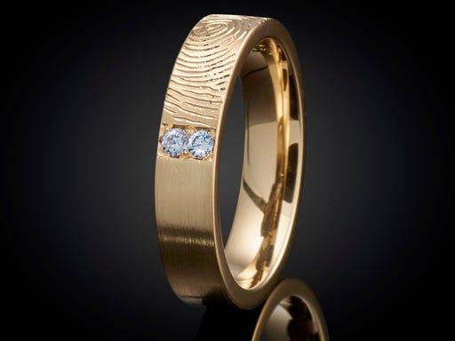 Vingerafdruk ring goud met topaas 4mm Sieraden In Stijl