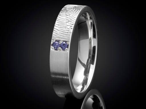 Vingerafdruk ring witgoud met saffier 4mm Sieraden in Stijl