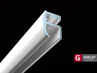 Witte goedlopende gordijnrails plafondbevestiging  nylon glijders.