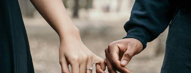 verlovingsring laten maken trouwring laten maken sieraad trouwringen verlovingsringen ringen oorbellen sieraden goud zilver edelstenen maken ontwerpen sieraadontwerp maatwerk goudsmid