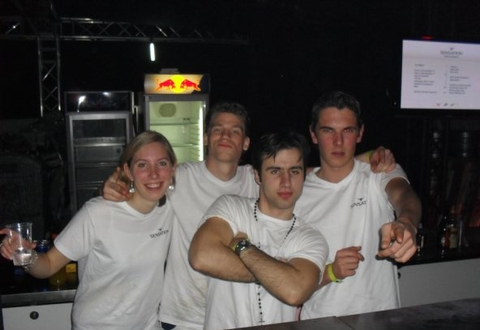 72 wensen bartender