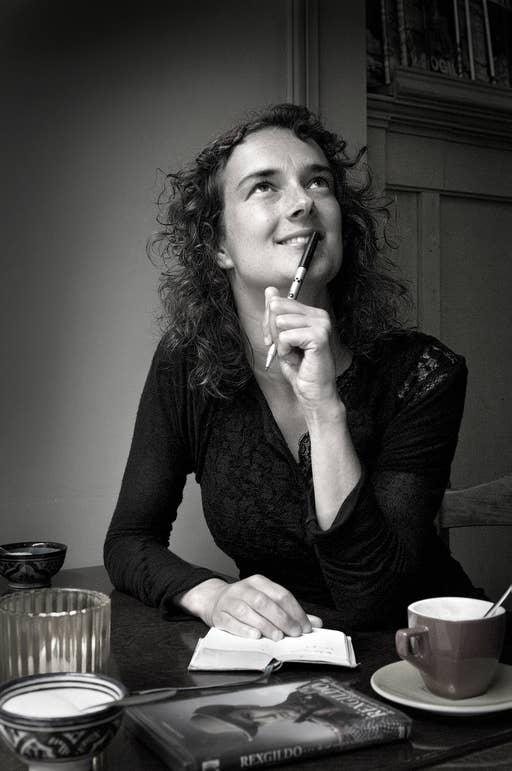 Nathalie Baartman, cabaretière, columniste. Boekomslag.
