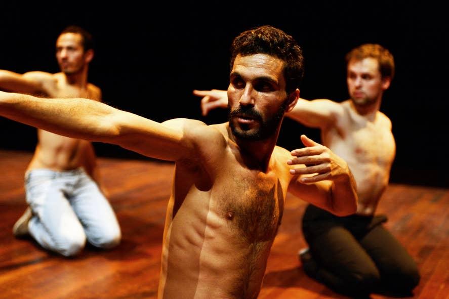 Plastic, 2014: van de Tunesische regisseur/choreograaf Meher Debbich Awachri.