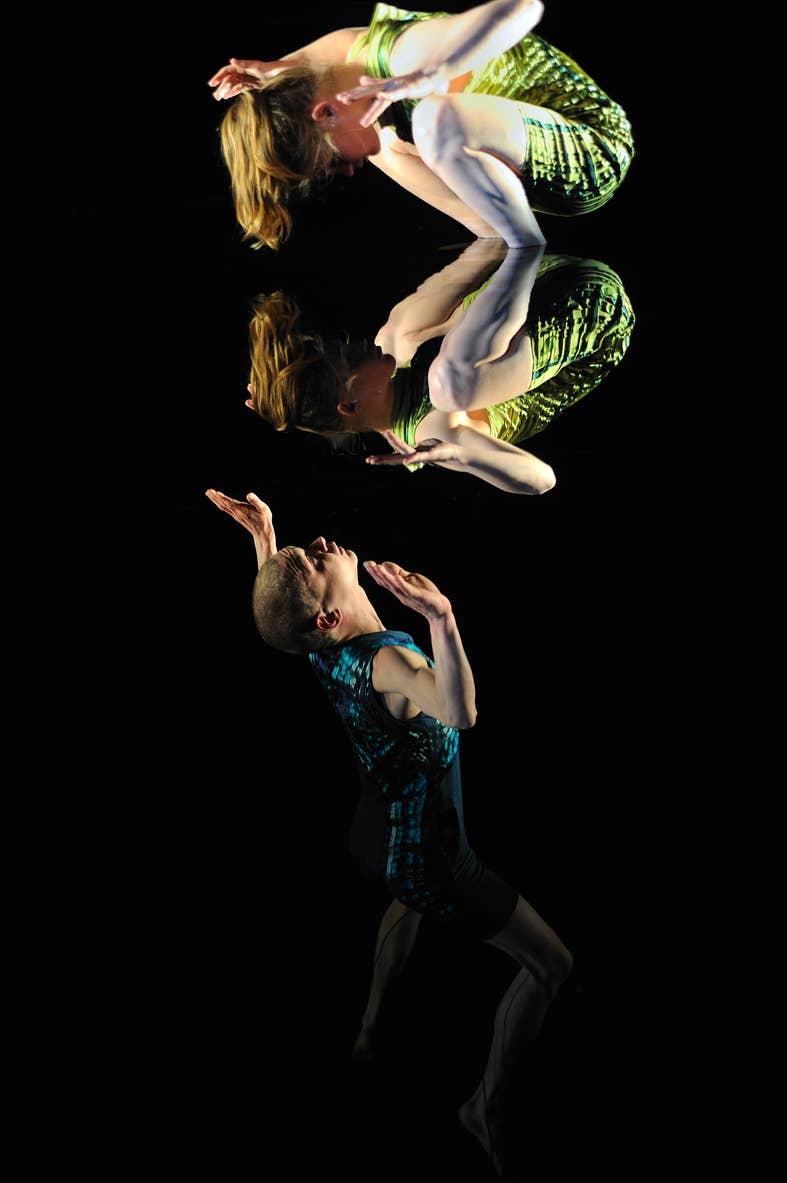 Spiegel. Door Schweigman&. Licht en scenografie: Theun Mosk.
