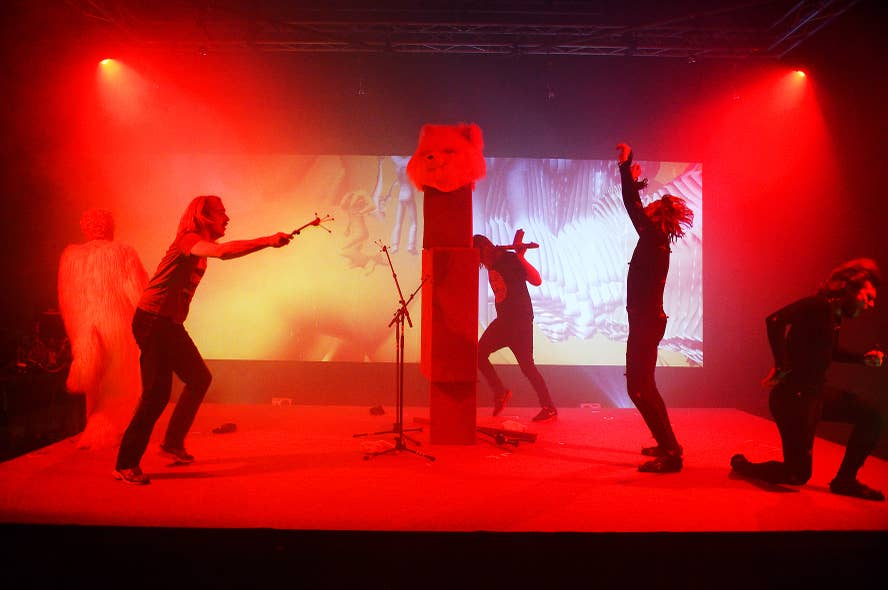Performance collectief Urland: Explorer/Prometheus ontketend, 2015.